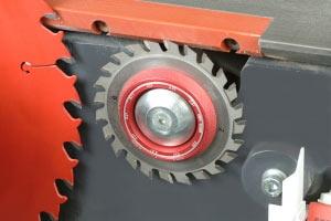 Система быстрого позиционирования подрезной пилы форматно-раскроечного станка Robland Z-3200
