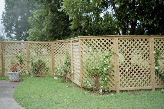 Садовые ограждения - фото Деревянное садовое ограждение