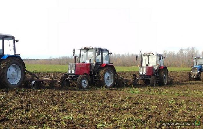 Какие трактора выбирают в Украине. Статистика продаж за 2012-2013 гг.