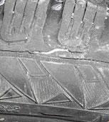 разрушения нитей корда каркаса покрышек при ударах о дорожные препятствия