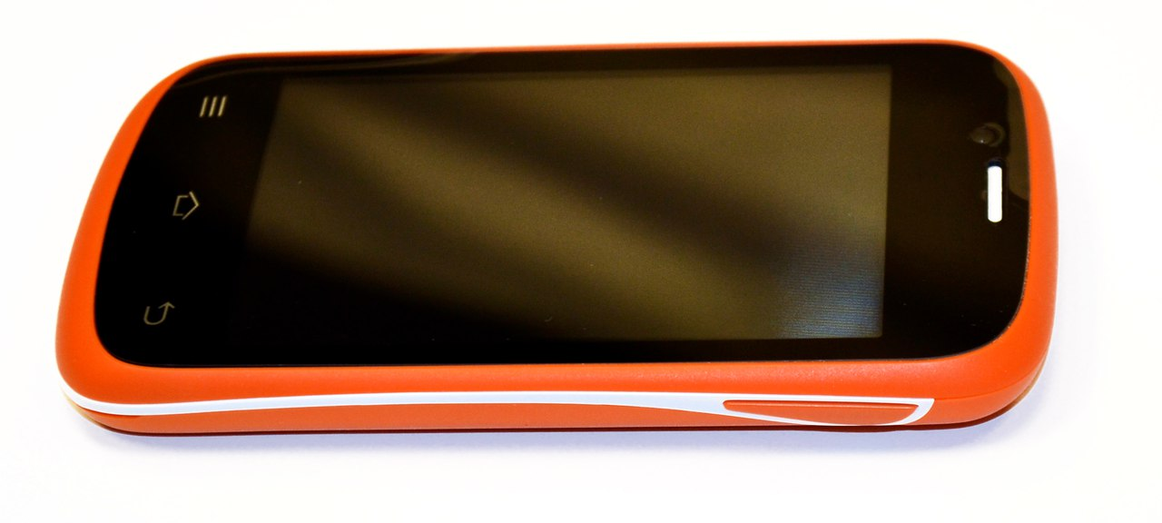 Смартфон BQ BQS-3503 Bombay - фото LA8aWsr6iWM.jpg