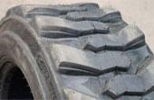 Шины с рисунком протектора повышенной проходимости для мини-погрузчиков