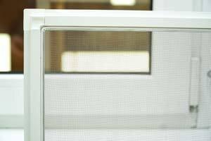 Москитные сетки на окна и двери в районе Лесного массива - фото Анти-москитная сетка на окно
