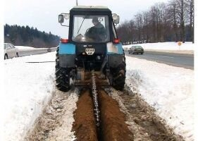 Аренда землеройной машины - Устройство траншей в Киеве - фото 3