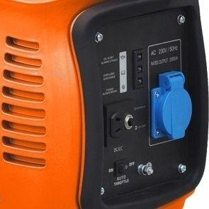Бензиновый генератор NIK PG 2700i (инвертор) 2,2 кВт - фото NiK PG 2700i генератор зарядка автомобиля