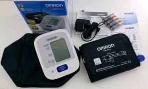 Тонометр Omron M2 Basiс (НЕМ-7121-АRU) автомат + адаптер - фото 1