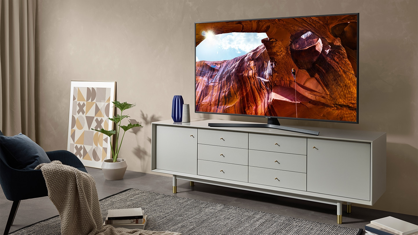 Телевизор SAMSUNG UE65RU7472 (2019г) 4K UHD 3840 x 2160, SMART TV, PQI (Picture Quality Index) 2000, HDR 10+, DVB-T2CS2 - фото Simply sophisticatedand stylish