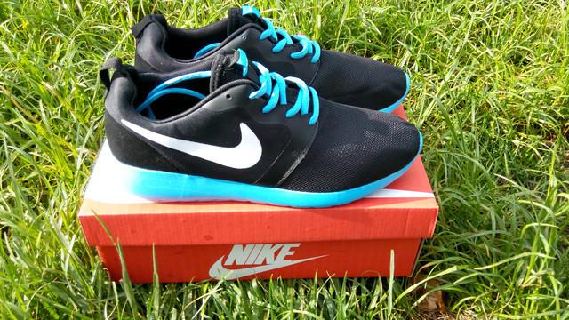 b0f7f175 Предоставляем Вашему вниманию кроссовки Nike Roshe Run. В разработке данной  модели, работали самые опытные работники компании, что сразу видно по ...
