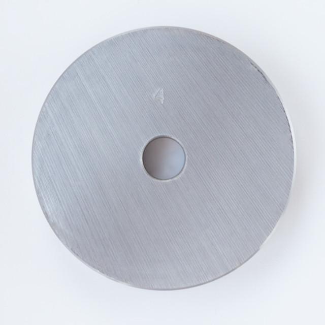 Блин для штанги или гантелей 4 кг металлический (диски утяжелители, млинець металевий) - фото 2