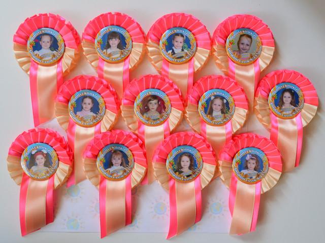 Значок Выпускник детского сада Колосок с розеткой Бежево-розовая - фото 1