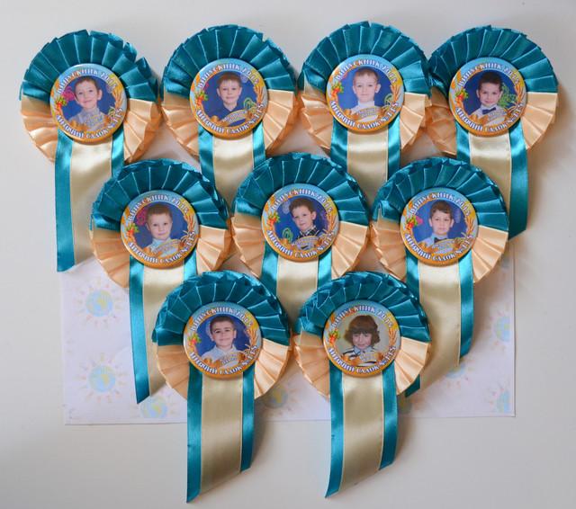 Значок Выпускник детского сада Колосок с розеткой Бежево-голубая - фото 1