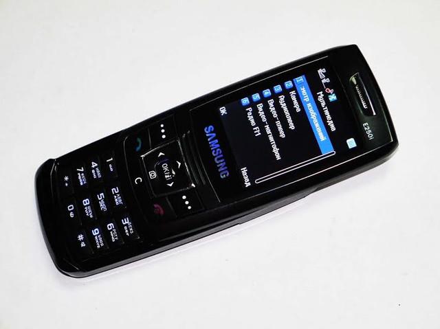 Недорогой мобильный телефон Samsung E250i. Дешевый слайдер. Качественный мобильный телефон. Код: КТМ215 - фото 5