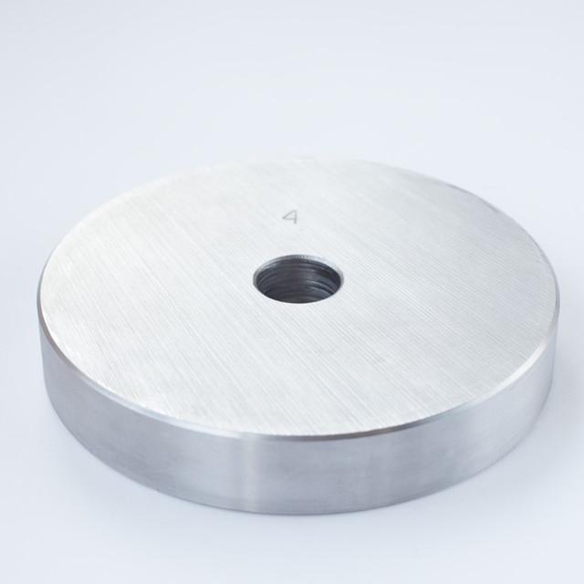 Блин для штанги или гантелей 4 кг металлический (диски утяжелители, млинець металевий) - фото 1