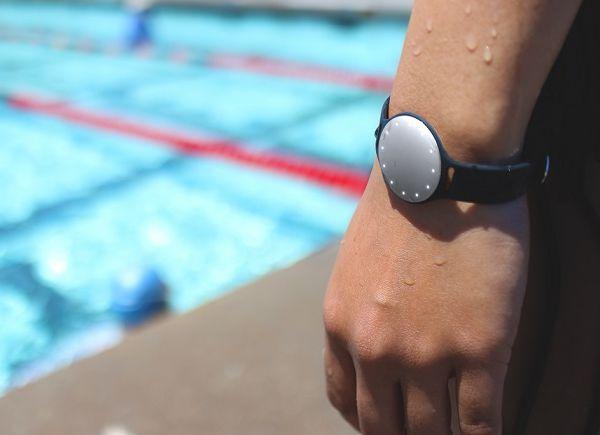 Фитнес-браслеты и смарт-часы - фото Фитнес-браслет