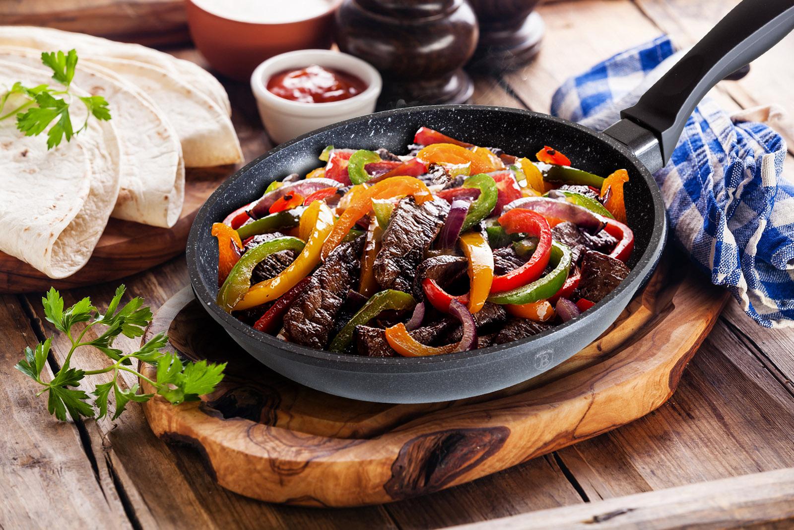 Сковороды с покрытием гранит - фото Гранитная сковорода с мясом