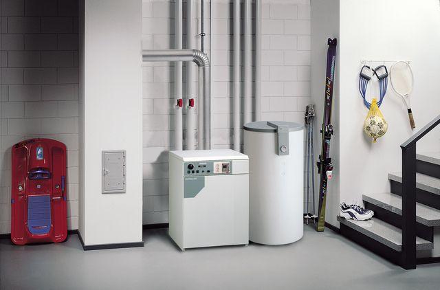 Котлы газовые - фото Котлы средней мощности часто устанавливают в подсобных помещениях дома