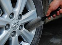 Щетки и скребки для мытья машин - фото Щетка для мытья дисков автомобиля